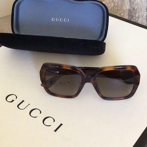 Amazing Gucci Sunglasses🐝🐝🐝